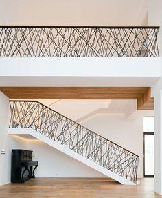 J'embellis ma montée d'escalier avec une balustrade !